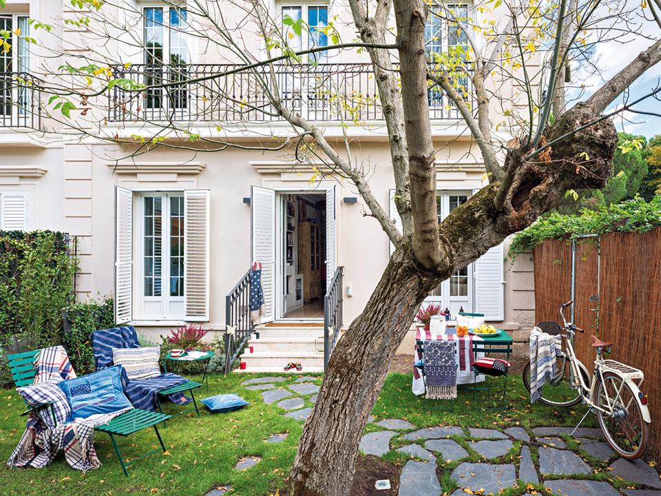 varanda-jardim-sacada-mesa-cadeira-ferro-metal